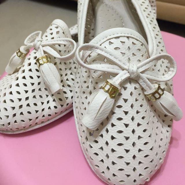 白色休閒鞋/娃娃鞋