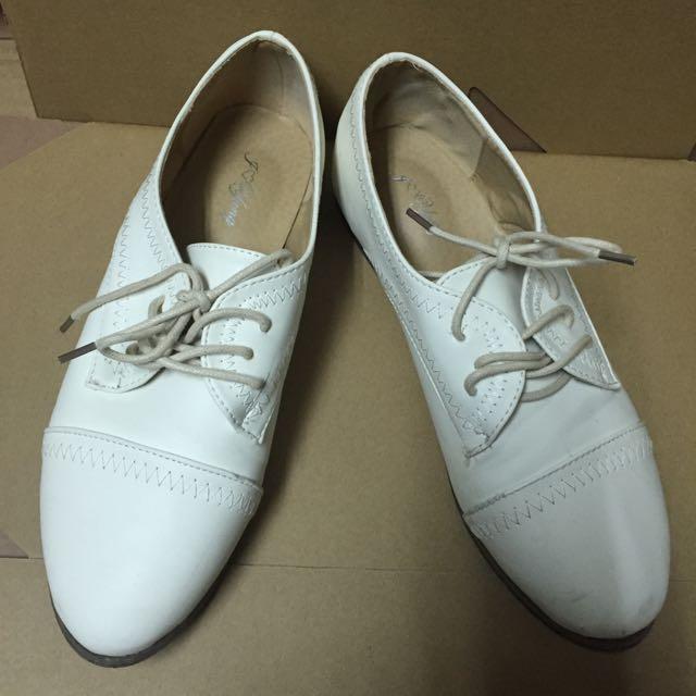 (二手)白色皮革綁帶牛津鞋