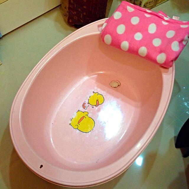 鴨鴨洗澡浴盆(高約比A4矮一點)二手9成新(板橋捷運線取貨可以直接500元購入)