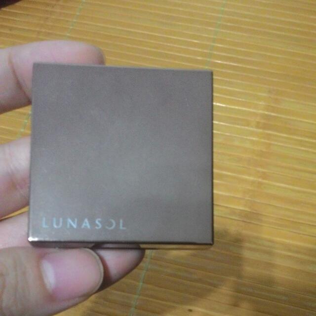 6. Lunasol 晶巧頰采膏 EX01(2012聖誕組)