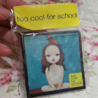 (含郵)Too Cool For School隨身鏡