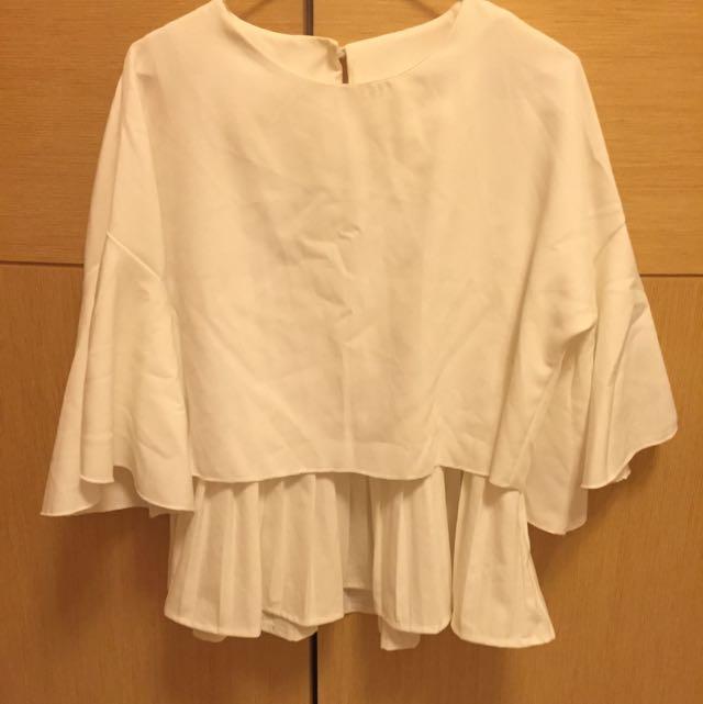 (2手現貨)韓版2件式珍珠釦短版喇叭袖百摺上衣