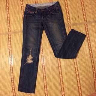 Wangler牛仔褲。低腰29腰