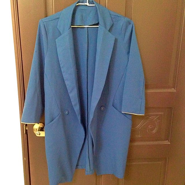 寶藍色西裝外套
