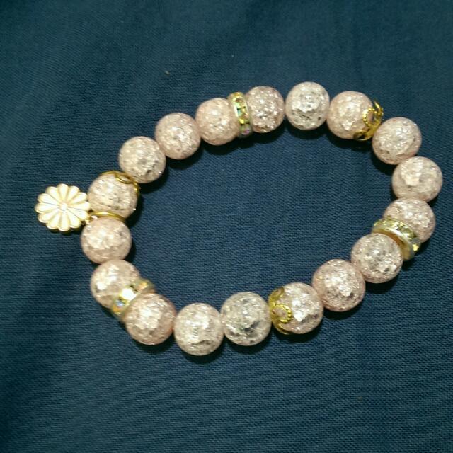 粉色珠珠手環
