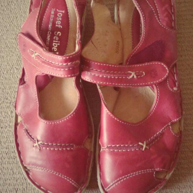 Josef Seibel European Comfort Sandals Size 39