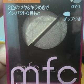 19. MFC 晶耀雙色眼影盒 GY1