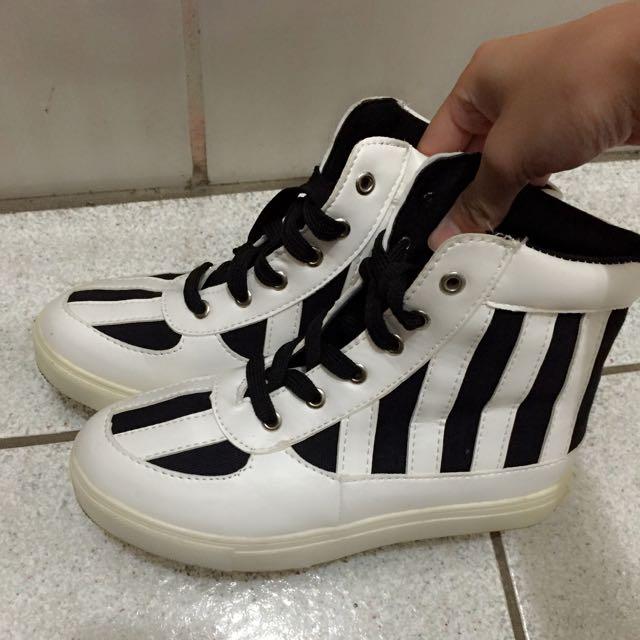 黑白條紋高筒綁帶休閒鞋