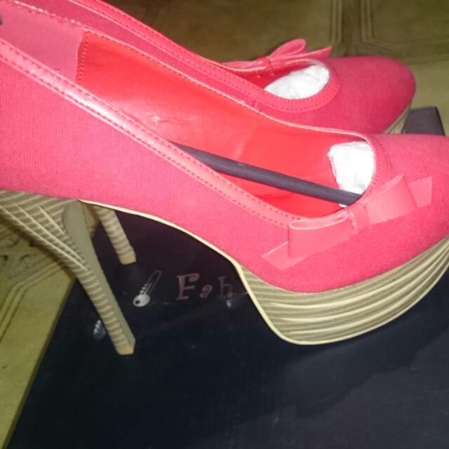 紅色高根鞋