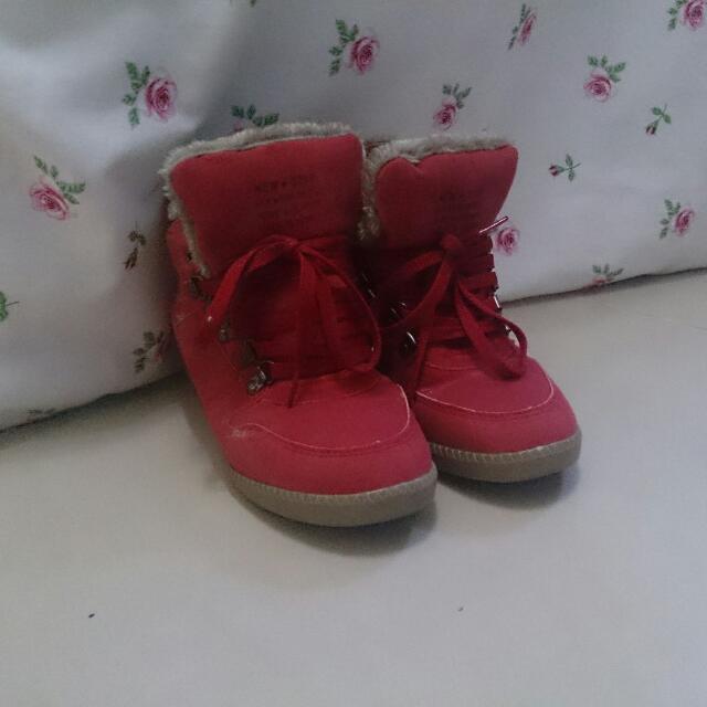 全新刷毛短筒靴 紅色