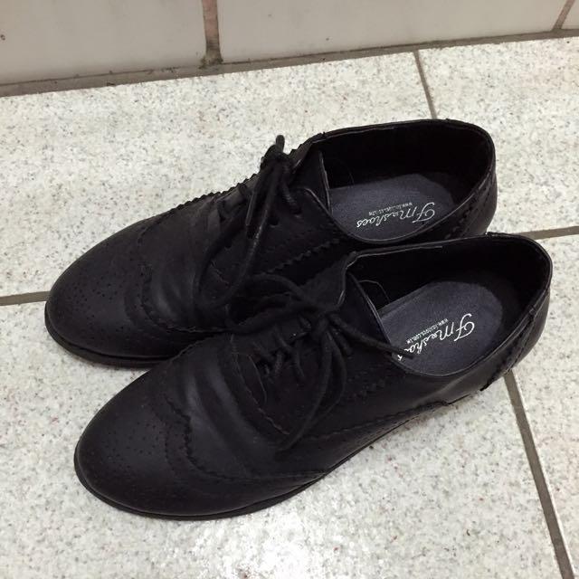 牛津雕花鞋 黑色