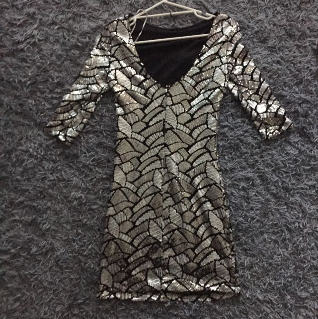 Size 8 Sequin Dress Silver