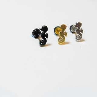 醫療鋼 鈦鋼 海馬造型耳釘 栓扣式 螺旋式 耳環 耳針 金 銀 黑 單支價