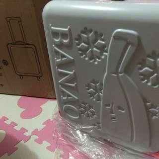 屈臣氏16吋香蕉行李箱
