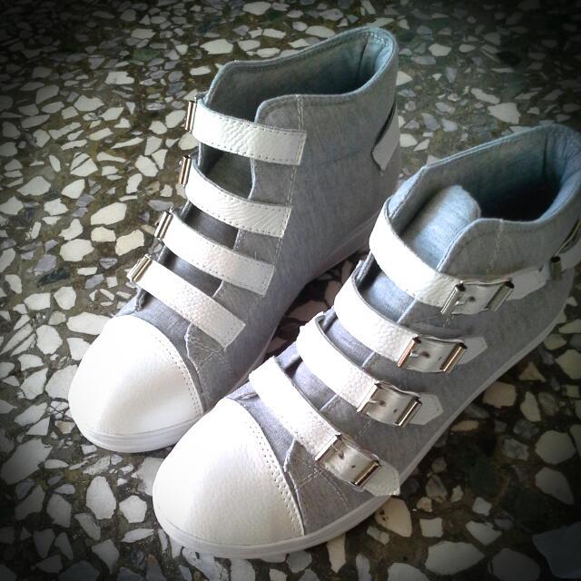 172巷鞋舖大尺碼女鞋(41)二手魔鬼氈內增高高筒鞋