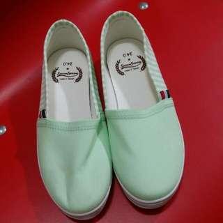 一般休閒鞋/條文淡綠色
