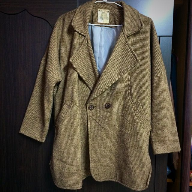 咖啡色寬鬆大衣