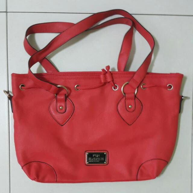 二手 皮革紅色包包 內容量很大