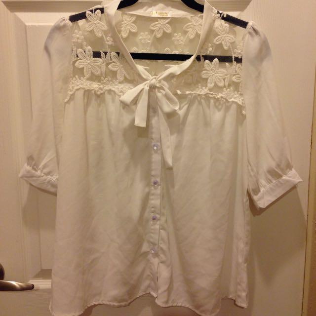 (紅標)二手- 白色蕾絲浪漫OL上衣