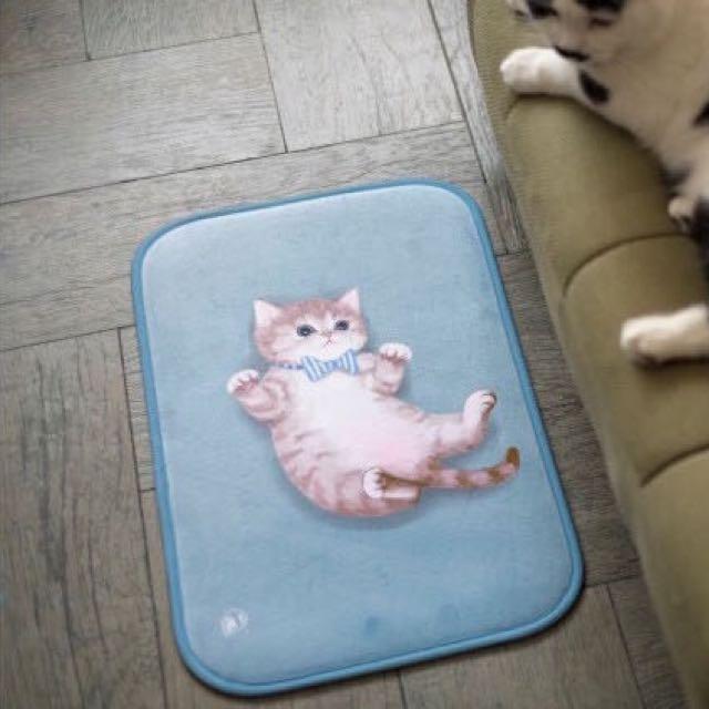 〈KUMA趣〉小萌貓天空藍色地毯 墊子 踩腳墊