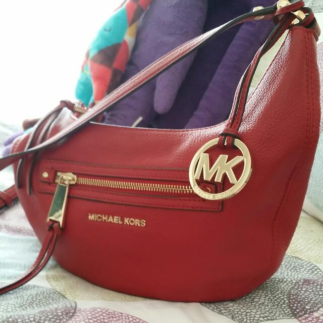 cdf70b6dbf5 REALLY HOT!! GOING TO CLOSE DEAL SOON!!MICHAEL KORS RED HALFMOON ...