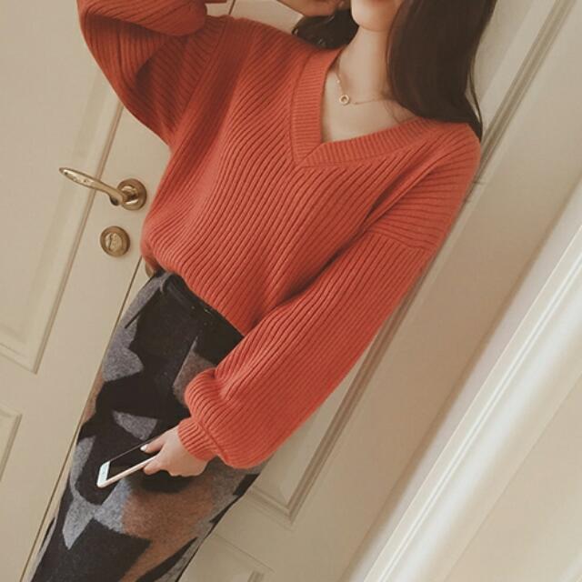 新款V領寬松顯瘦純色套頭針織衫毛衣