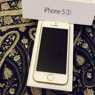 iPhone 5S 16G 時尚金(保存良好,功能正常喔)歡迎提問誠可議價,因換iPhone 6S故售出。