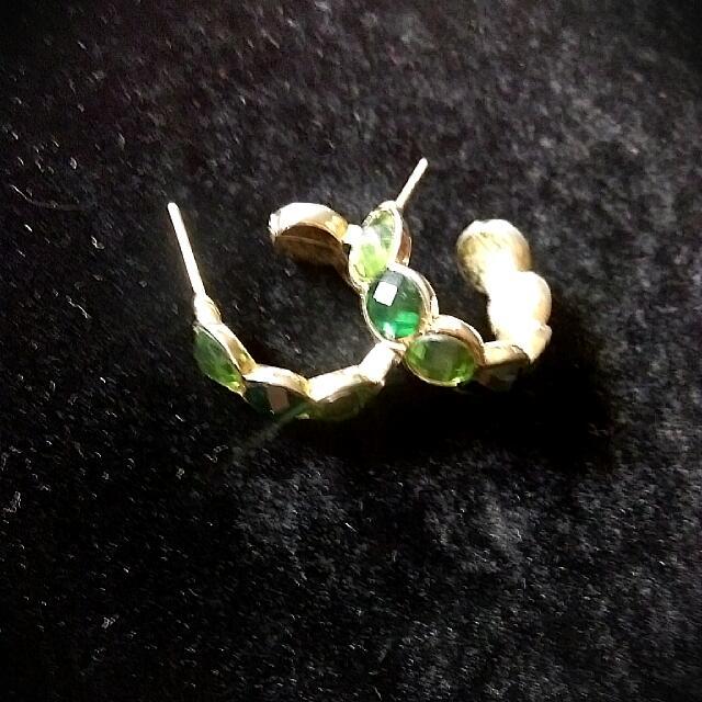 橄欖綠耳環