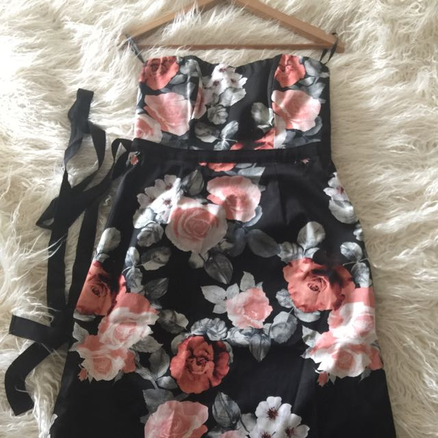 Floral Strapless Dress Size 8 - Forever New