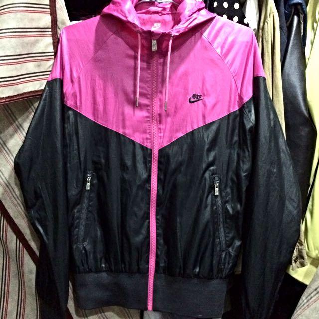 降!Nike桃紅X黑防風風衣外套