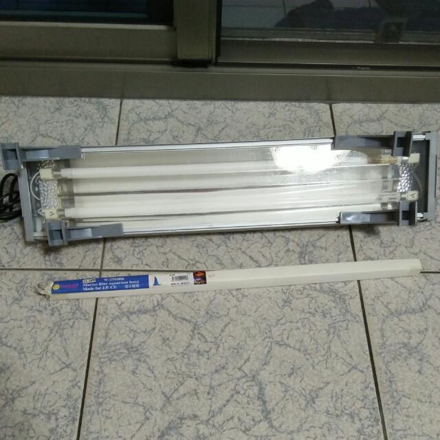 水族燈/超亮型T5雙燈/雙開關/單電源線2.1呎-24W另送海水藍燈管一支