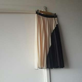 Skirt for sale