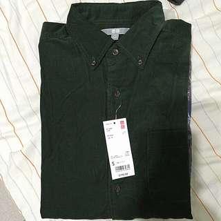 Uniqlo 燈芯絨襯衫。綠。 全新 吊牌未拆