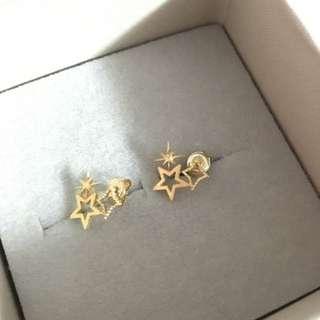 🚚 二手。韓國帶回 金色星星耳環。很會過敏的耳朵卻很愛買漂亮耳環😱已清潔消毒。