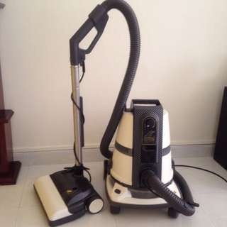 Delphine S8 Vacuum New Model For Sale $1000 Only