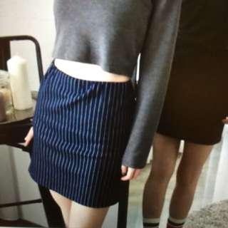 《全新》韓製直紋短裙