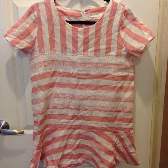 (紅標)二手-韓版棉麻粉白蕾絲相間荷葉裙擺長上衣