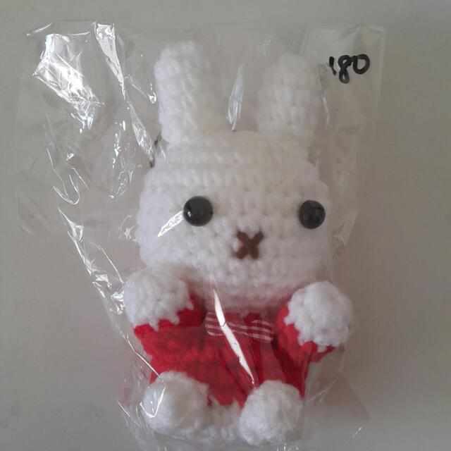 手工編織兔子鑰匙圈