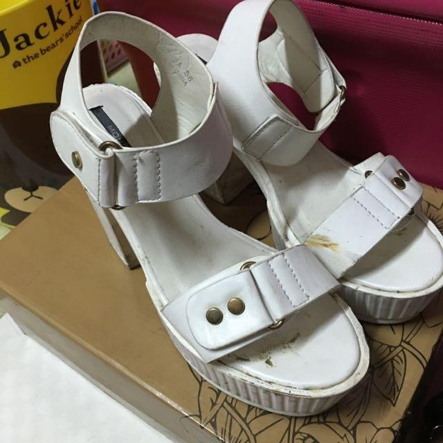 ✨b2b tramy 白色粗跟涼鞋 36號