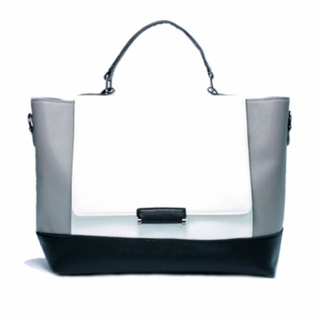 BN Minamalist structured bag