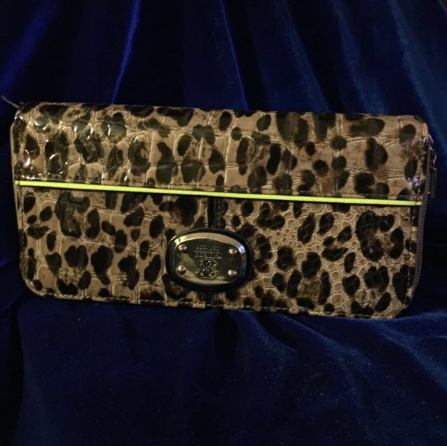 Guess Purse Brand New
