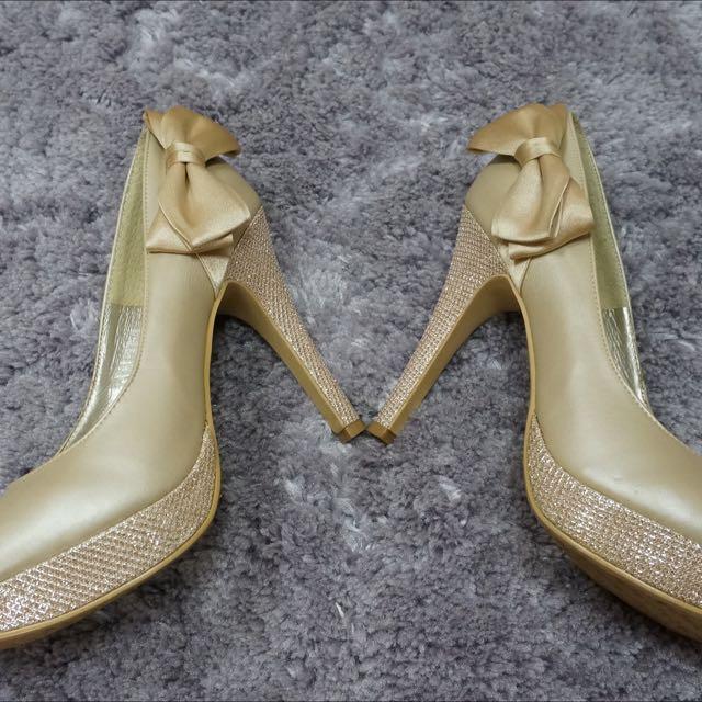 Itabella 閃亮蝴蝶結裸色高跟鞋