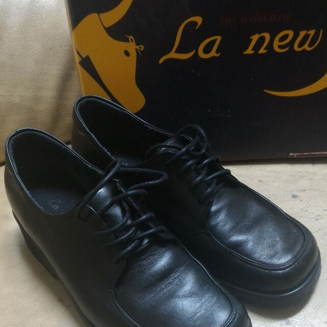 La new 皮鞋 23號