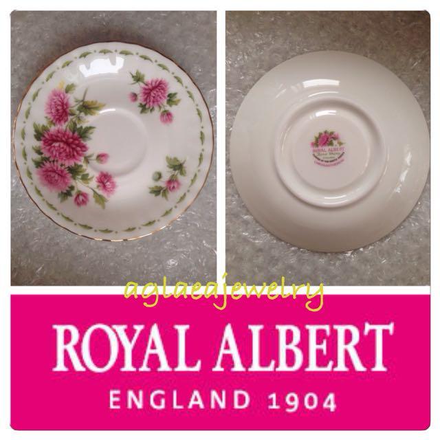 Royal Albert Flowers Of The Month Saucer - November - Chrysanthemum