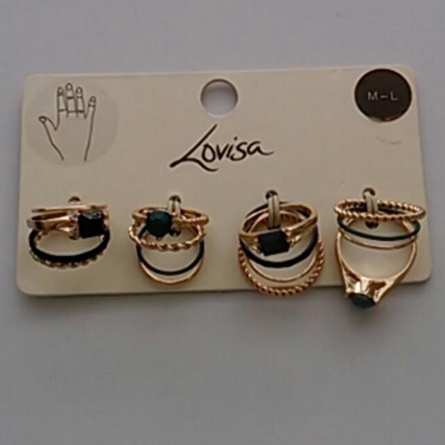Lovisa Set Of 4 Rings.
