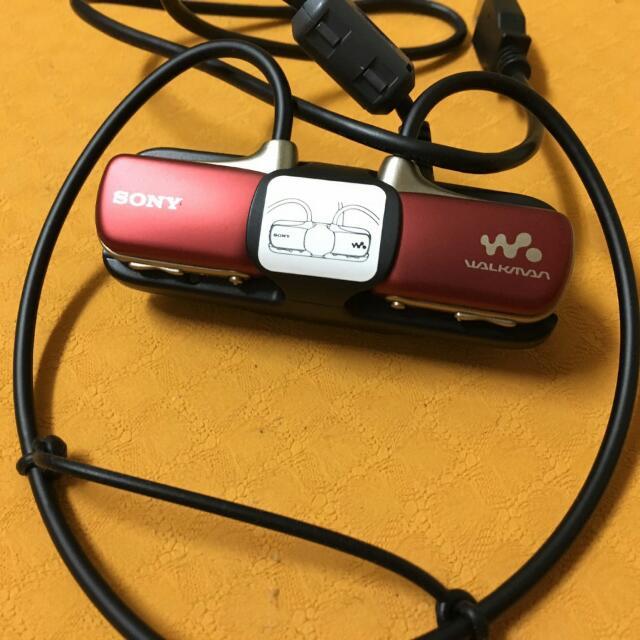 Sony 防水數位隨身聽-紅色