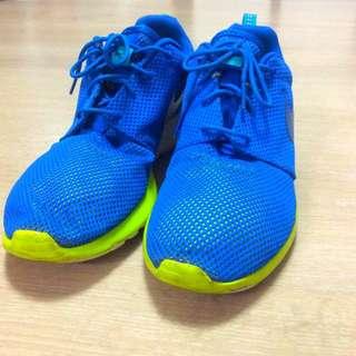 Nike Rosherun慢跑鞋