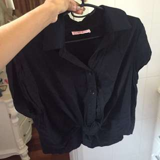 BLACK COLLARED BUTTON UP TIE TOP