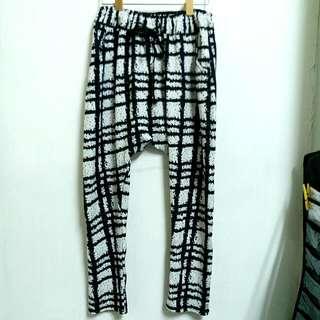 售出》💕免運大降價💕黑白格紋飛鼠褲