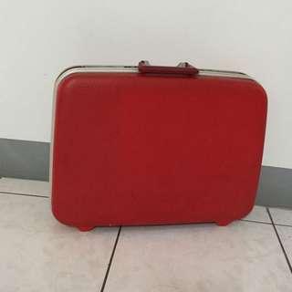 紅色復古皮箱